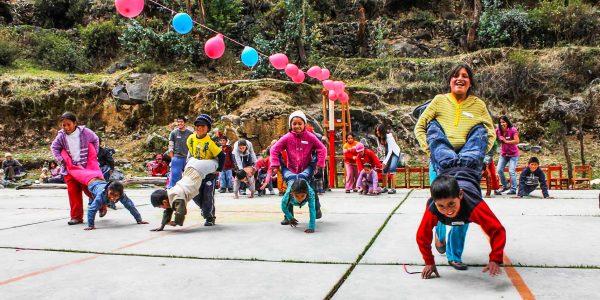 Christmas games in Huancaya