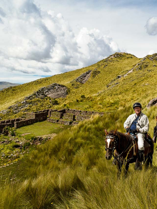 Horseback riding to Apu Wanakaure, Cusco