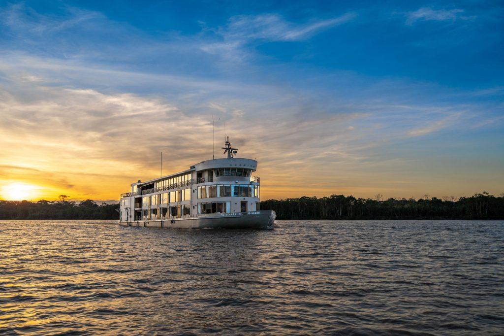 El Delfin Amazon Cruise, Iquitos
