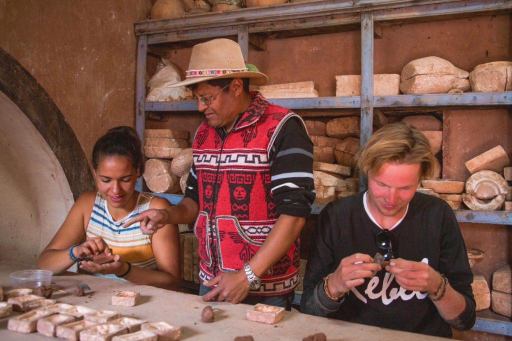 Pottery classes in the Sacred Valley of the Incas